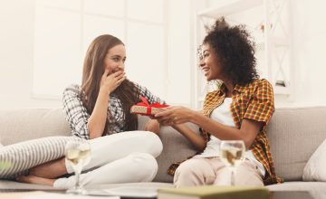 Galentine's Day: gift ideas for your gal pals